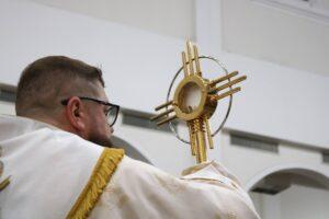 """Corpus Christi: """"O Amor se fez Eucaristia"""""""